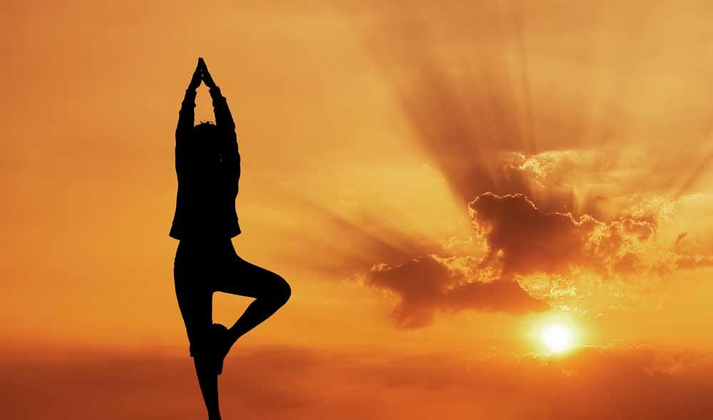 poder-meditacion-yoga-en-el-desierto-kundalini