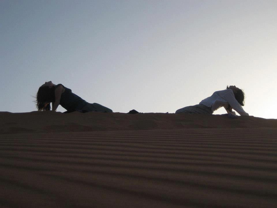 yoga-dunas-desierto