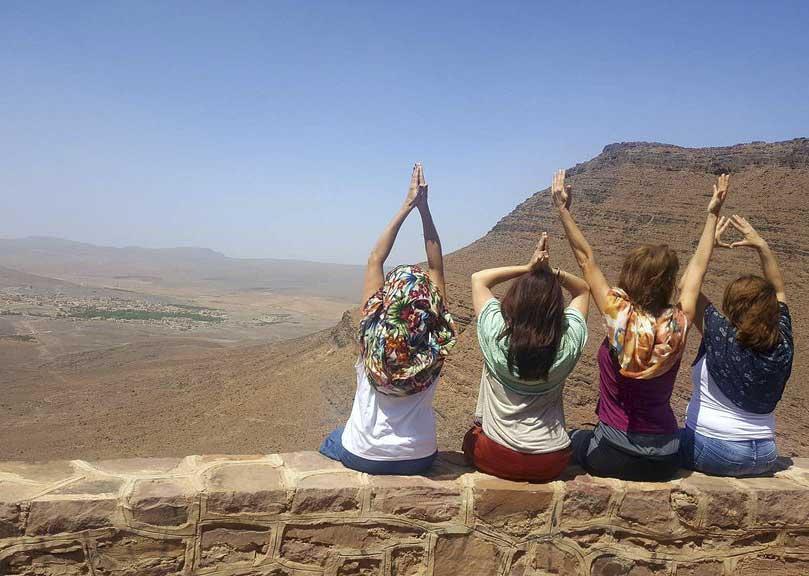 amor-desierto-yoga