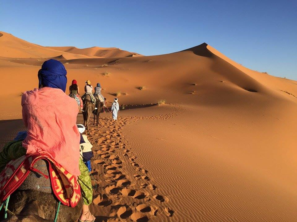 yoga-en-el-desierto-marruecos_231