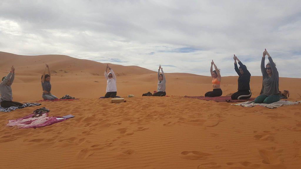 fin-ano-yoga-desierto-nochevieja_05