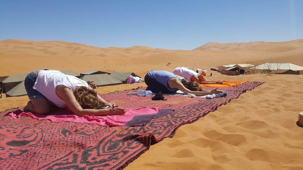 yoga-en-el-desierto_71